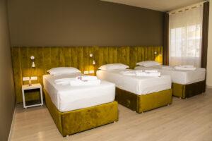 Hotel Belmodo Durrea-Jumbo Travel-triple room