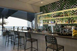 Harmony Bay Hotel-Jumbo Travel-bar