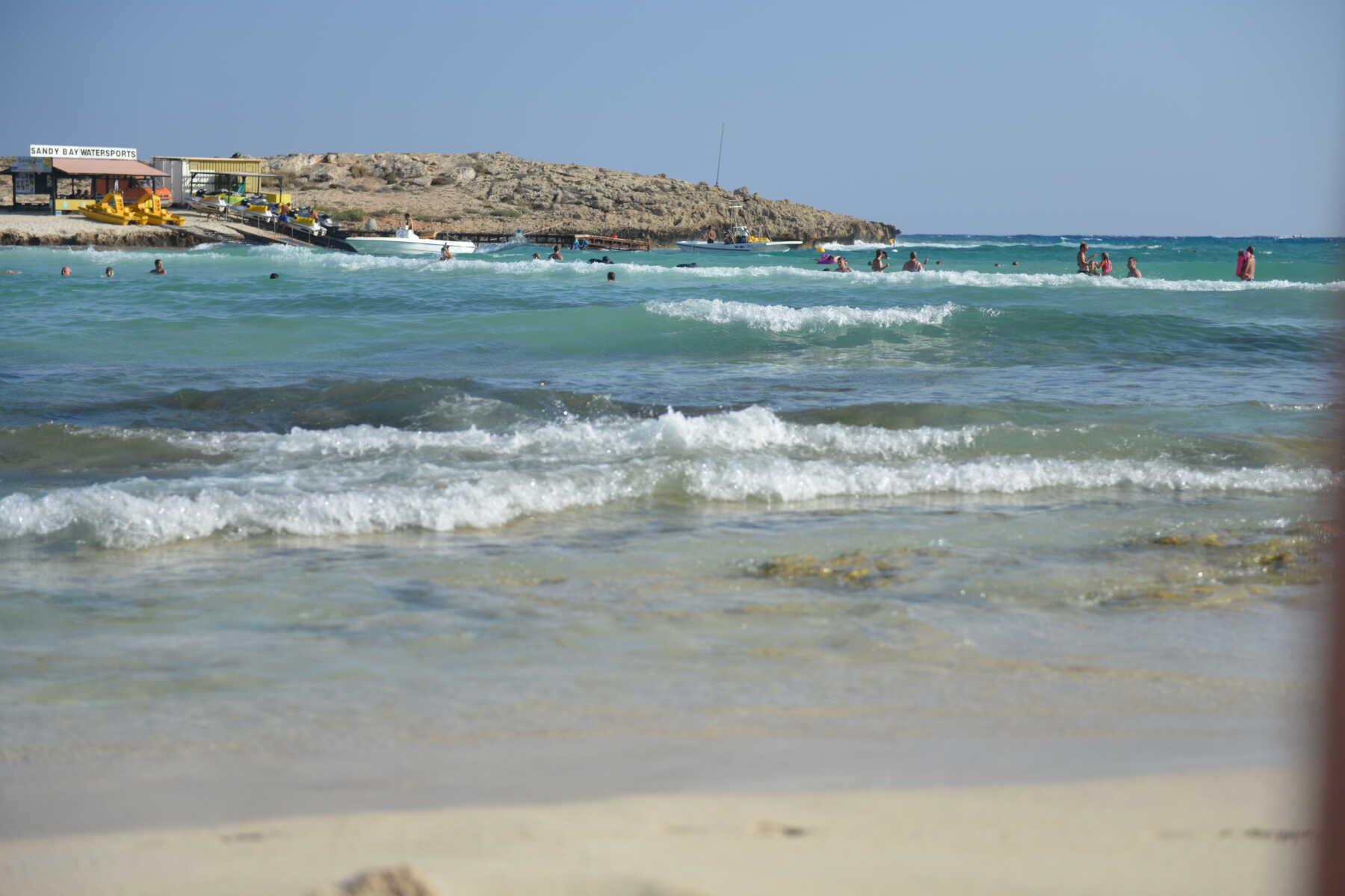 Nissi Beach, Kipar - blagi talasi
