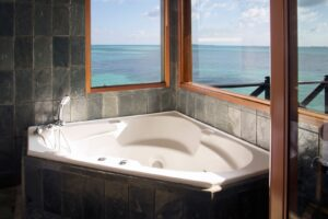 Dhuni Kolhu-Maldivi-Jumbo Travel-lagona bathroom