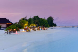 Summer Island-Maldivi-Jumbo Travel-beach restaurant
