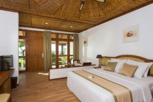 Bandos Maldivi-Jumbo Travel-standard beachfront room 2