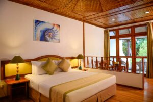 Bandos Maldivi-Jumbo Travel-standard beachfront room