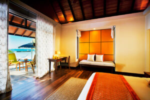 Kurumba -Maldivi-Jumbo Travel-beachfront deluxe bungalow