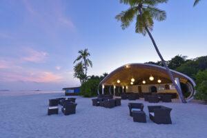 Dreamland Maldivi-Jumbo Travel-beach bar